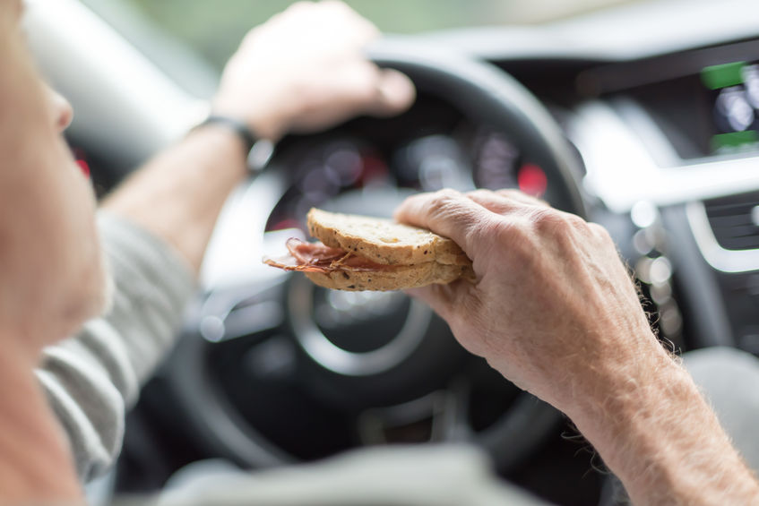 eating and driving in leased cars